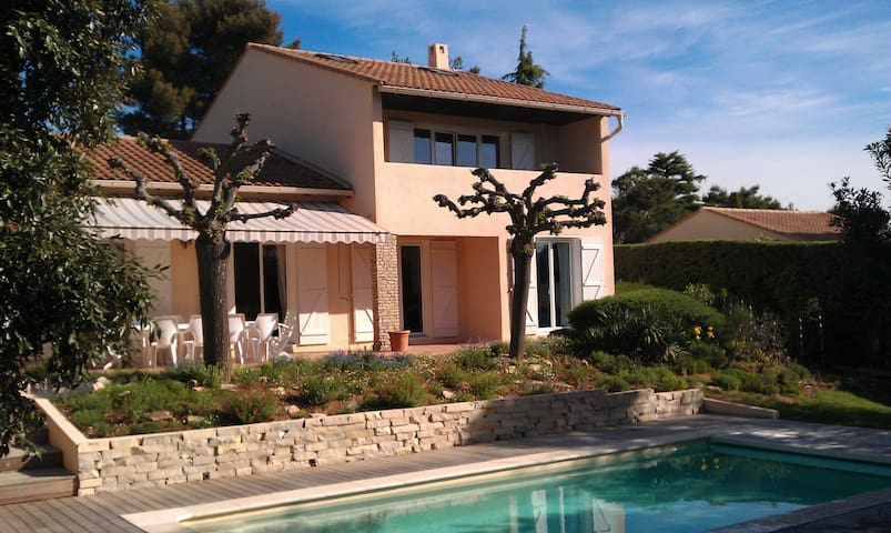 3 bedrooms in a nice house with swimming pool - Cabriès