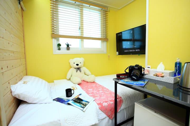 Inn Gyeongju Guesthotel - Single Room3 (bathroom)