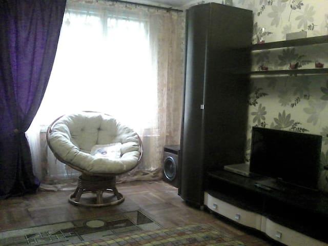 Просторная комната с удобной кроватью - Sankt-Peterburg - Byt