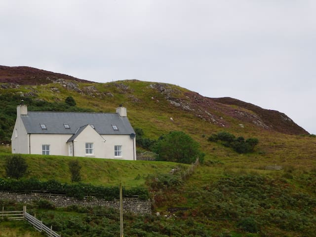 Strathan Cottage - NC500 with Disabled Access Room