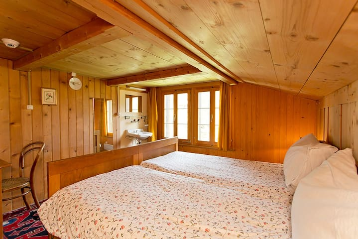 Pension Gimmelwald,  twin room