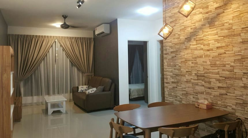 New Cosy 2+1 rooms condo, KLCC view - Kuala Lumpur - Apartment