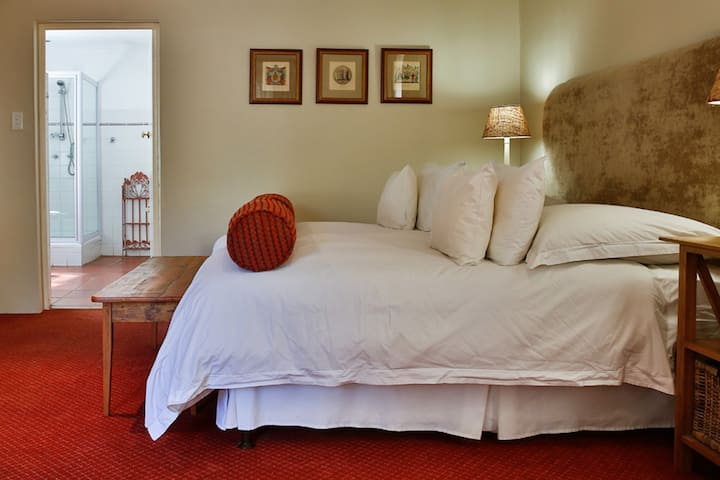 Vias B&B - Luxury King Room 4