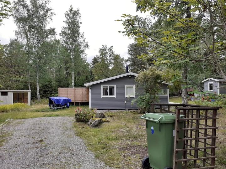 Nice cabin, big terass, close to lake.