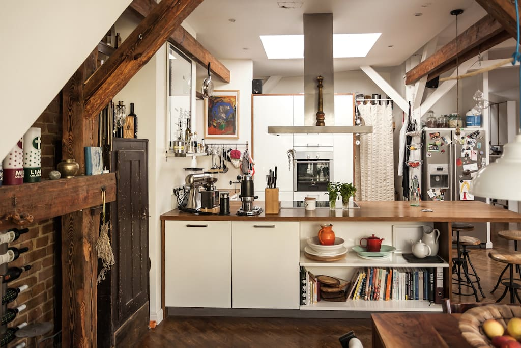The kitchen is fully equipped and has all the gadgets you'll need for the preparation of home-cooked dishes.