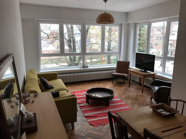 Bright, Clean and Spacious 2-bedroom apartment