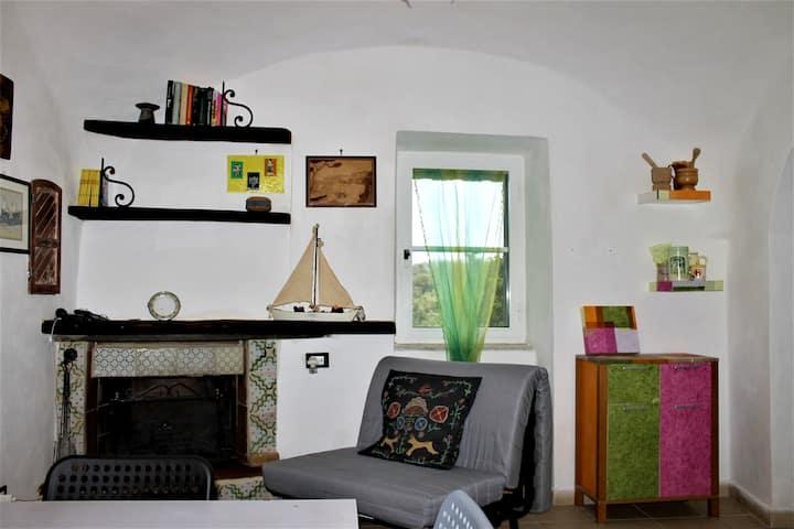 Appartamento con una stanza a Itri, con splendida vista sulle montagne e terrazza attrezzata - 7 km dalla spiaggia