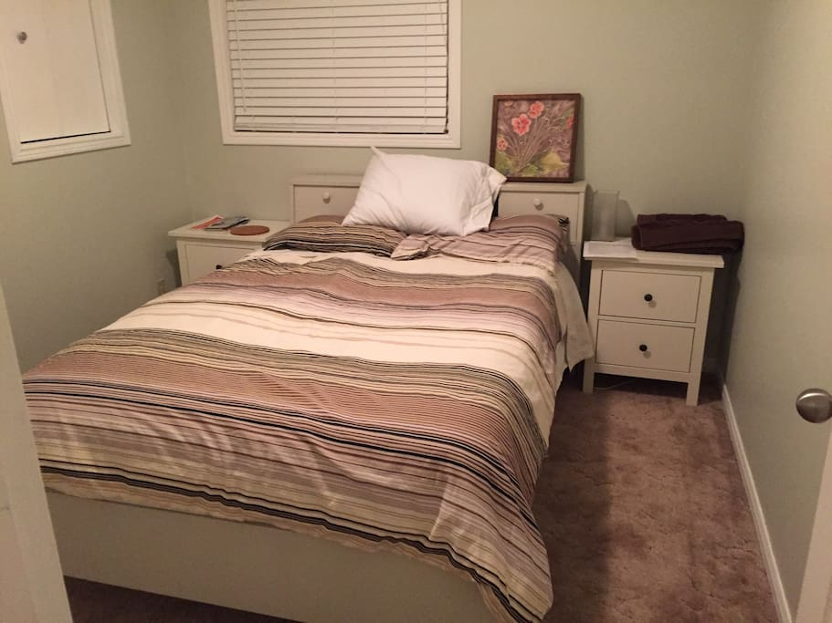 double bed with matching dressers