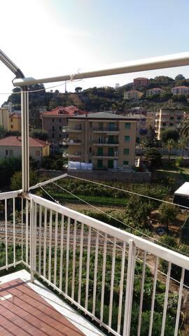 Casa ultimo piano a Finale Ligure Pia vicino mare