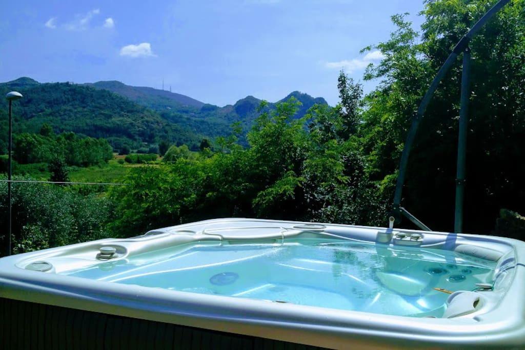 outdoor spa hydromassage