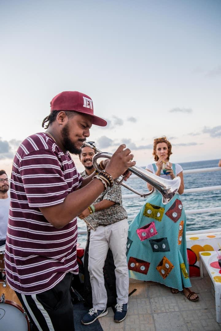 Disfruta de música cubana en vivo