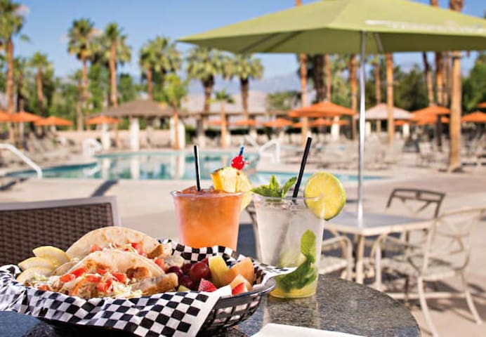 The Water's Edge Pool Bar & Grill - Poolside Dining