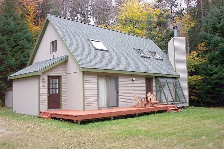 Close to Mt Snow - Clean & Spacious House