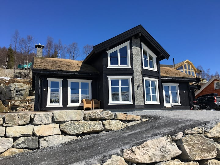 Holiday cottage with 4 bedroom on 145m² in Sogndal