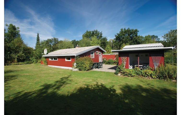 Holiday cottage with 2 bedrooms on 58 m² in Faxe Ladeplads