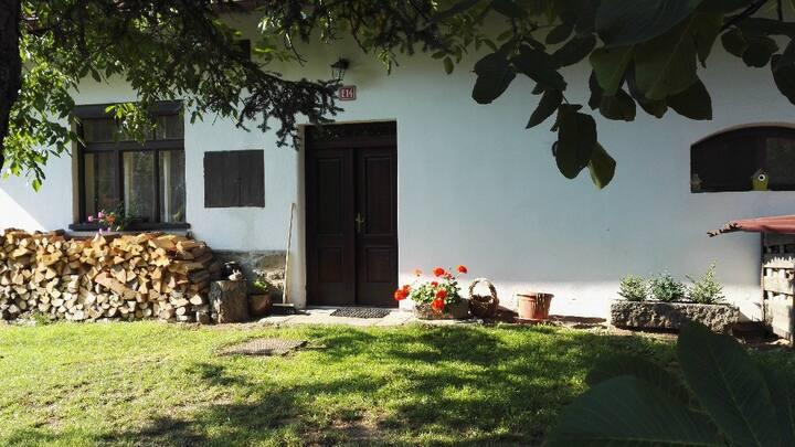 Venkovská chalupa jako u babičky na Šumavě