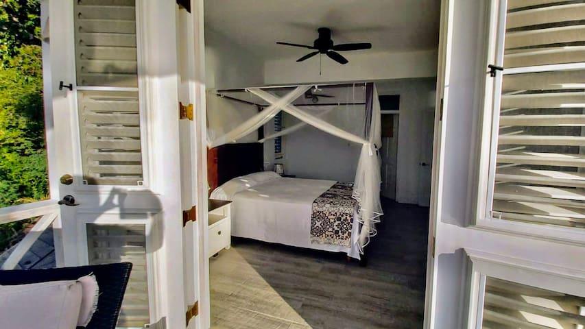 Queen Bedroom with ensuite on Pool Floor Level