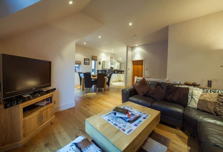 Mains of Taymouth, Kenmore - 4* Calm Waters, sleeps 6