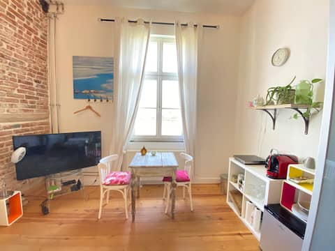 Room in rural suburb near city center