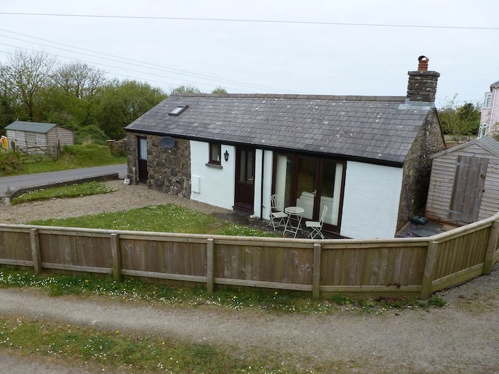 A five star quality cottage in great location