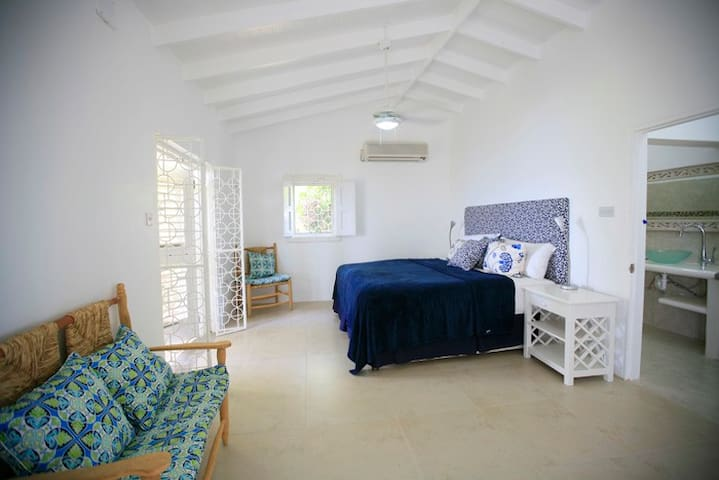 Tranquility spacious Master Suite..where often we put in a single bed for that extra little person in the group