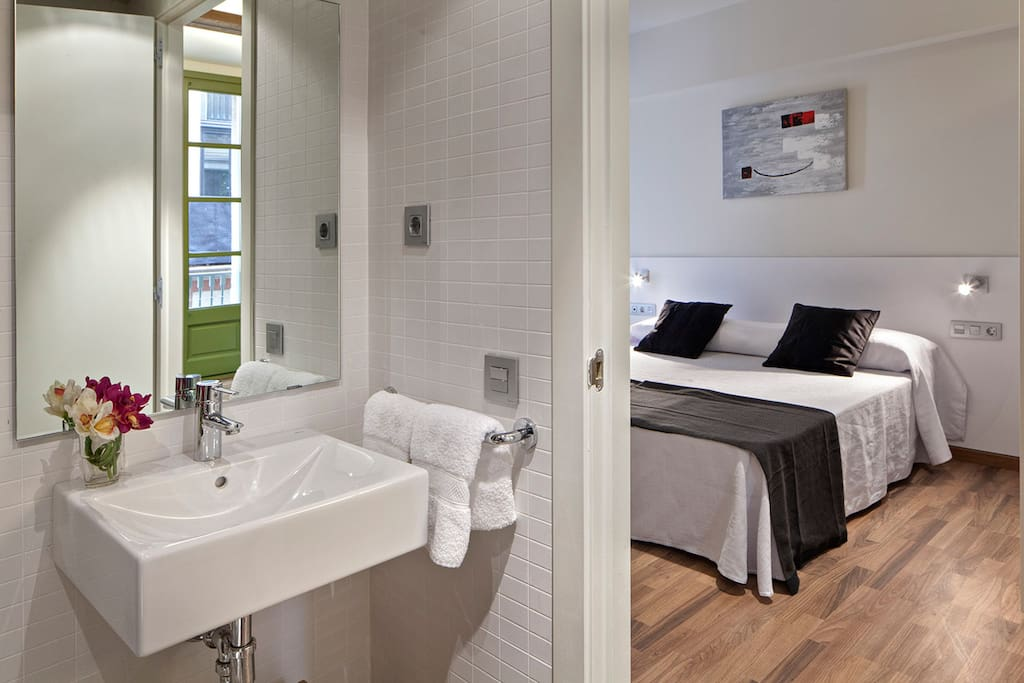1 Bedroom Near Plaza Real Apartments For Rent In Barcelona Spain