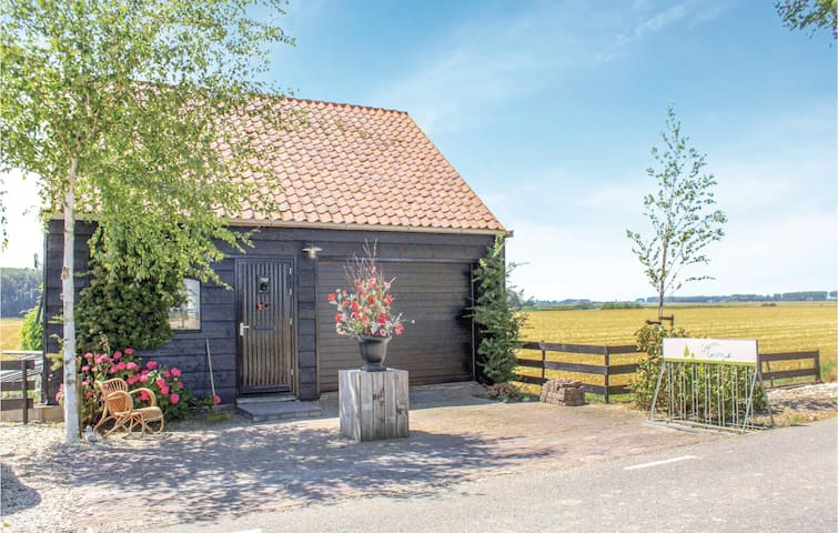 Holiday cottage with 2 bedrooms on 50m² in Zuid-Beijerland