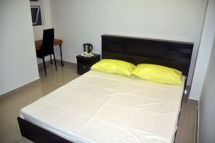 Staying with family - Male - Apartamento