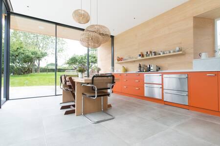 Elegant Georgian home, state of the art kitchen - Holcombe
