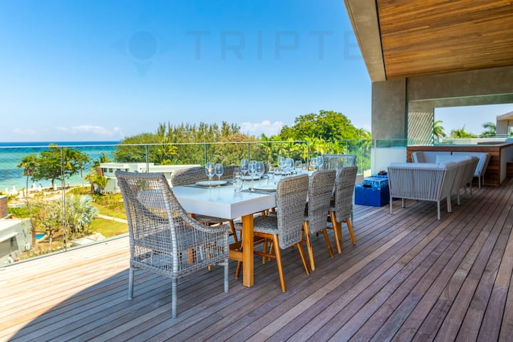 Maho 4BR Seaview Penthouse in Tamarin