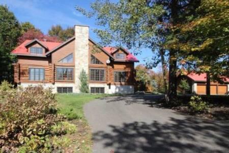 Maison en bois rond - Estérel