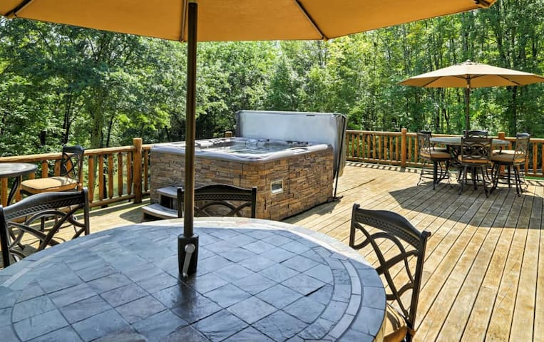 Share a meal al fresco on the stunning deck, which features ample seating.