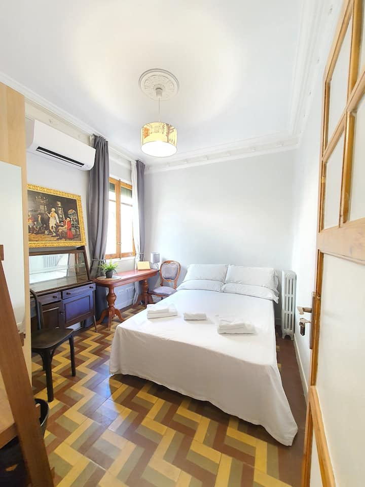 Madrid, Centro, GREAT LOCATION! Cozy Double Room