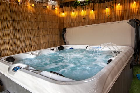 Luxury home nr St Andrews, Hot tub, EV car charger