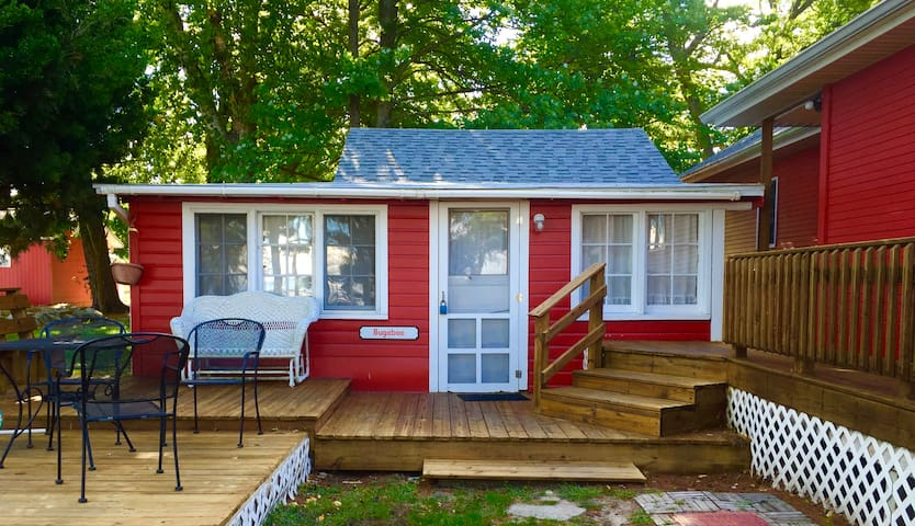 "Silver Lake Cottage ""Bugaboo"" small 2 bdrm, 1 bath - Mears - Ev"