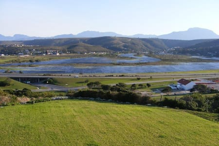 At 29 Columba twin room 4 with view of Mossel Bay - Groot Brakrivier - Bed & Breakfast