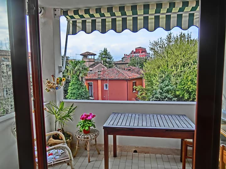 Airy & panoramic with garden*, 2 min. from the sea