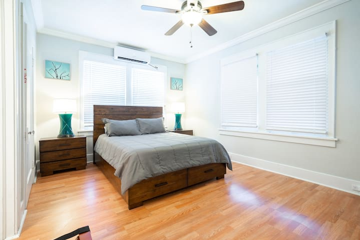 ⭐️Quirky Studio in Downtown TX | Close to All! ⭐️