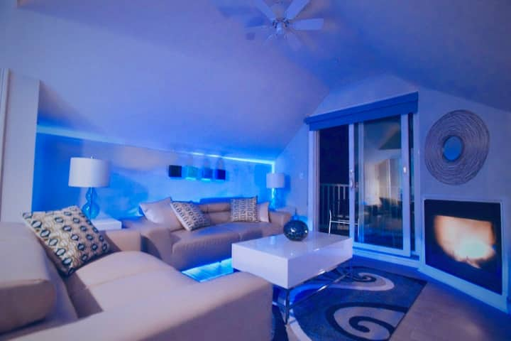 Ocean View West End Penthouse (The Sandpiper)