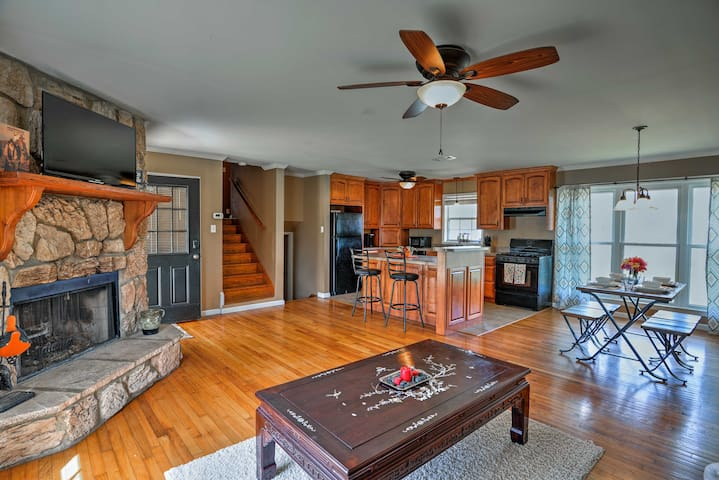 Cozy Centerville Home on the Bayou w/Grill & Yard!