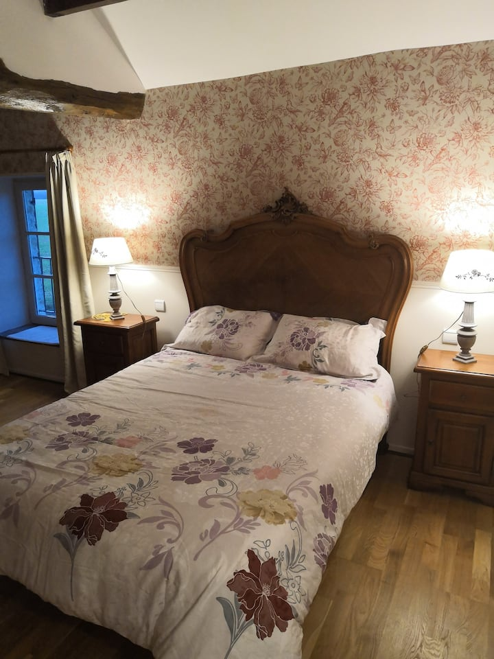 巴黎郊区近普罗万百年玫瑰别墅(chambre rose)