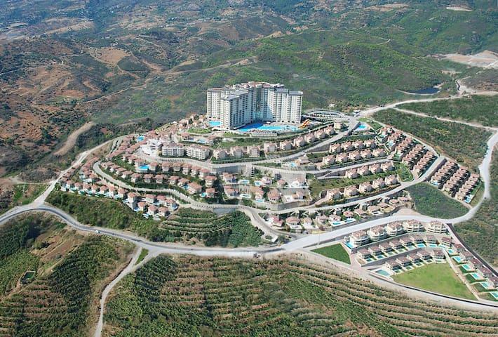 Alanya Goldcity 3+1 in 5 stars hotel