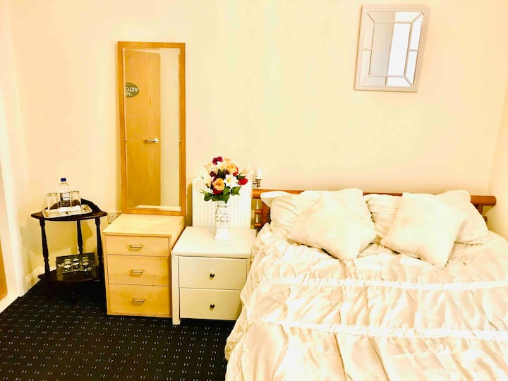 Comfortable double-room close to the city centre