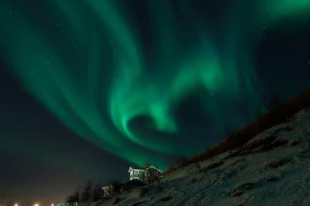 Nydelig hus ved sjøen Breivik - Tromsø - Casa