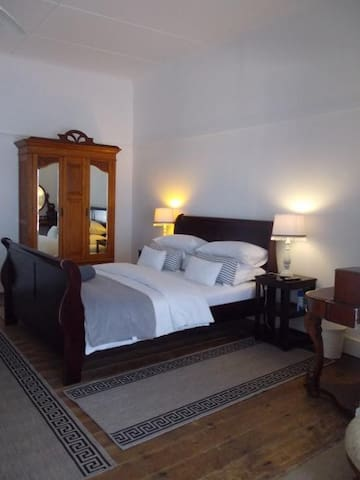 Breeze Inn Double Room Homely B&B at the beach