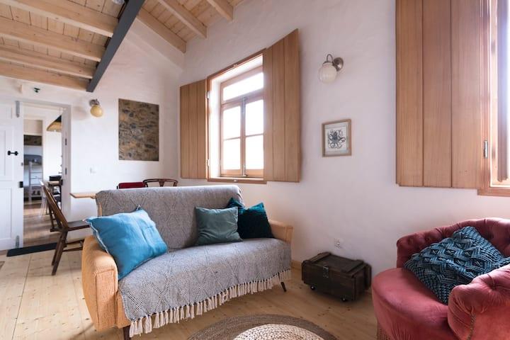 Bohemian Antique Guesthouse – Casa Med Mez