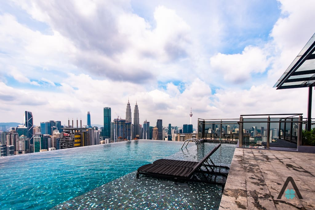 Infinity Sky Pool at Level 47 (switch lift at Level 8