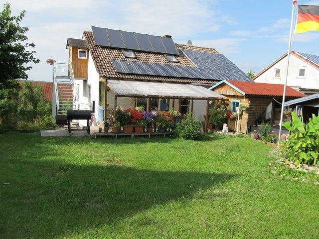 Ruhige Ferienwohnung am Waldrand - Steinsfeld