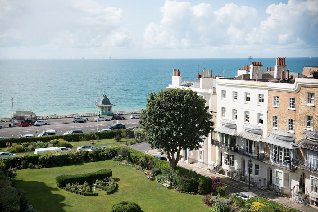 Regency Penthouse with sea views