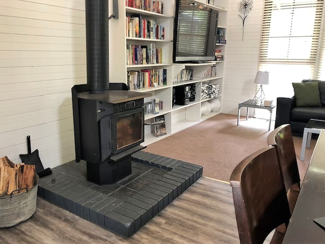 Ned Kelly wood fired heater (we supply the wood for your stay).